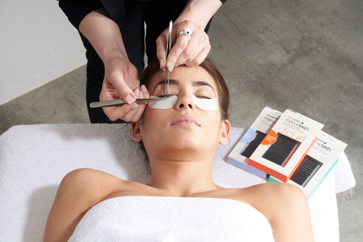 Marvellash Eyelash Extensions training