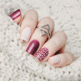UK Nail Extensions, London Beauty training courses, How to learn Nail Extensions